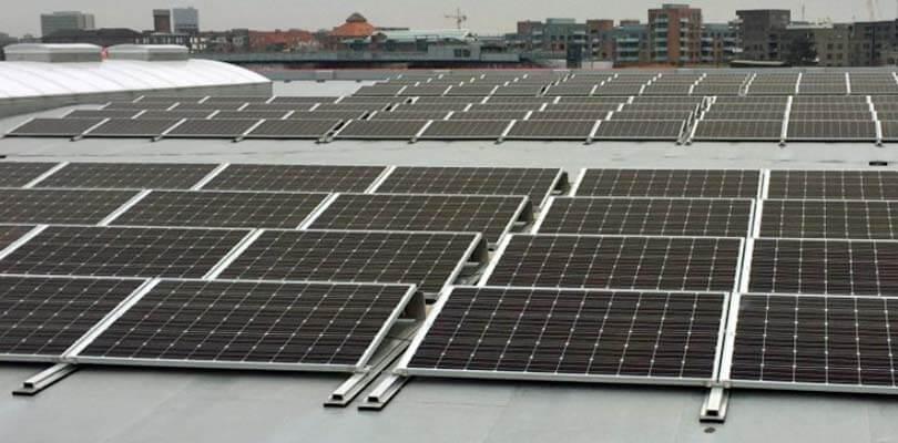 Solceller virksomheder og offentlige institutioner